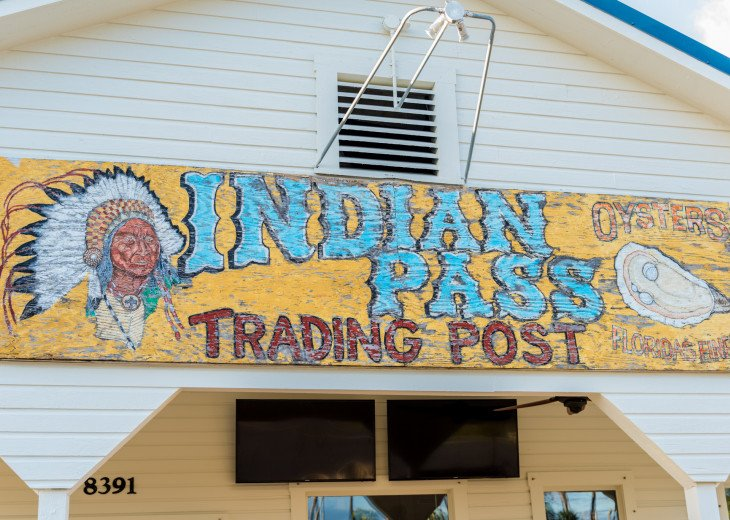 Don't Miss Dining at Indian Pass Raw Bar