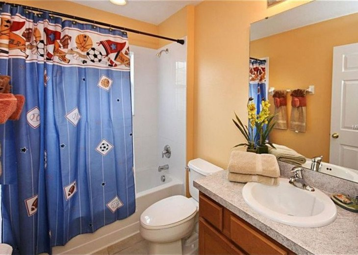 """Exquisite Resort Home with all comforts of """"Home Away from Home"""" for 6 to 16 #18"""