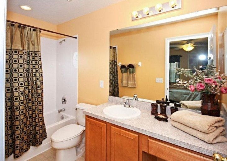 """Exquisite Resort Home with all comforts of """"Home Away from Home"""" for 6 to 16 #15"""