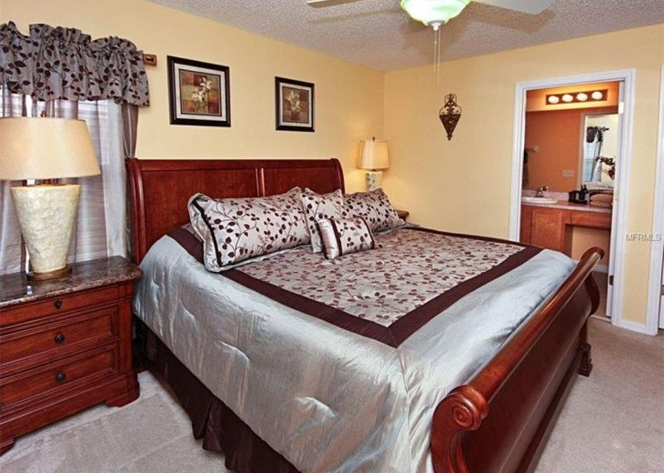 """Exquisite Resort Home with all comforts of """"Home Away from Home"""" for 6 to 16 #13"""
