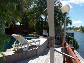 BEAUTIFUL 3 BEDROOM VACATION HOME LOCATED ON DEEP CANAL W/OCEAN & BAY ACCESS #1