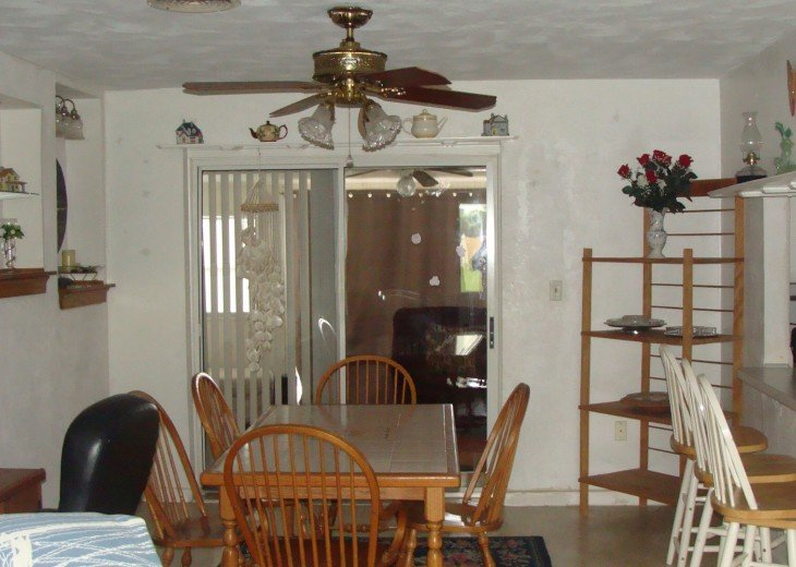 dining room leads to sunroom