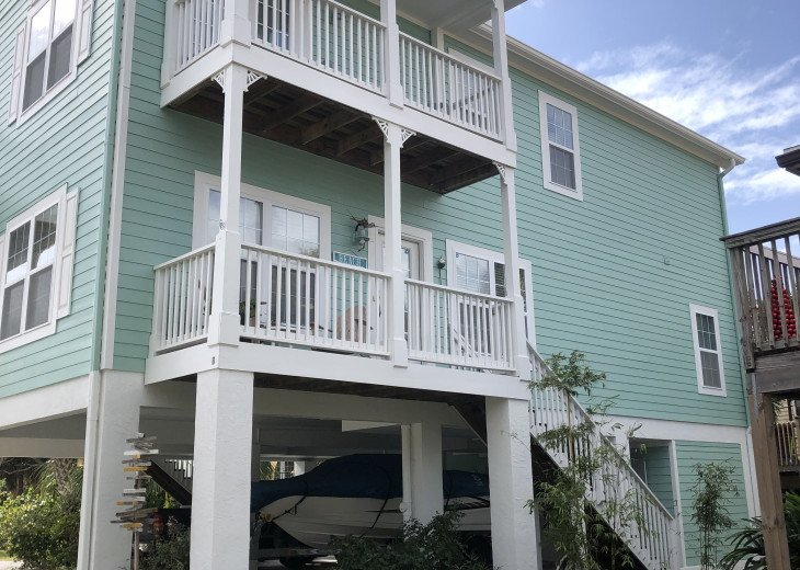 2BR/2BA Key West Style Beach House Furnished**MONTHLY ONLY** #28