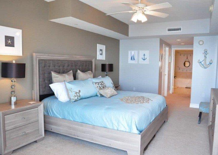 Oceanfront Luxury OPUS 3 Beds 3 Baths NO HURRICANE DAMAGE #20