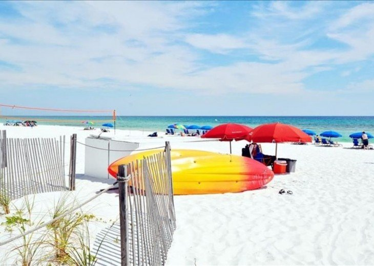 GULF VIEW! NEW BED AND 55 'TV! FREE BEACH SERVICE FOR 2 #15