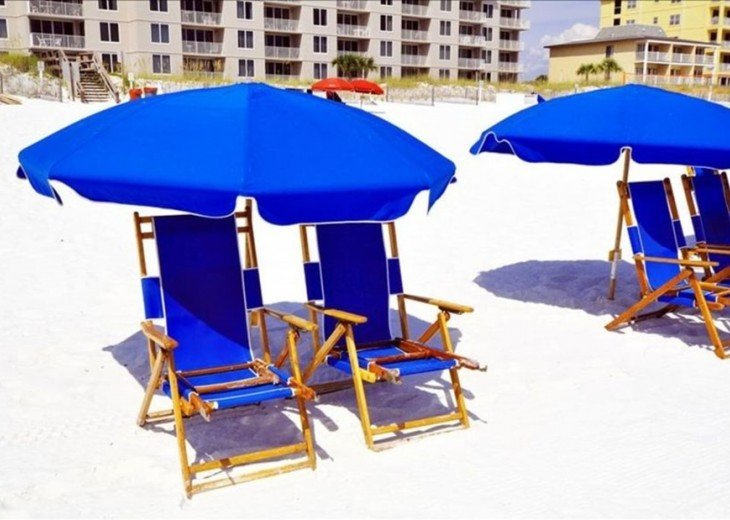 GULF VIEW! NEW BED AND 55 'TV! FREE BEACH SERVICE FOR 2 #16