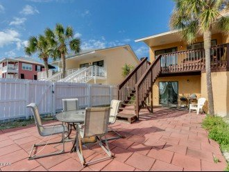 Town House 1/4 mile to Beach Access #12 parking Or Pay Resort Fee #1