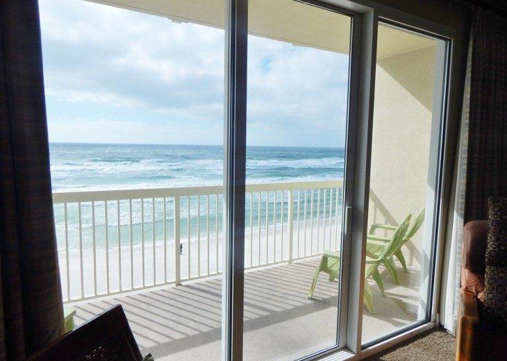 Oceanfront. Sleeps 6. Low Floor. Great View. November 1-22 Discount - 20% Off! #2