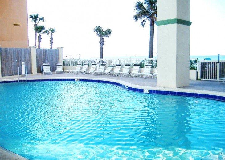 Oceanfront. Sleeps 6. Low Floor. Great View. Celadon Has Re-opened for Rentals! #15