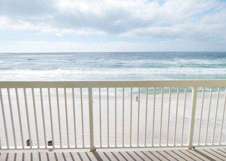 Oceanfront. Sleeps 6. Low Floor. Great View. November 1-22 Discount - 20% Off! #1