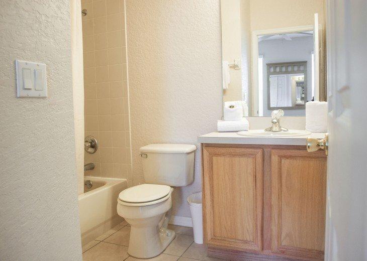 Queens Room Bath