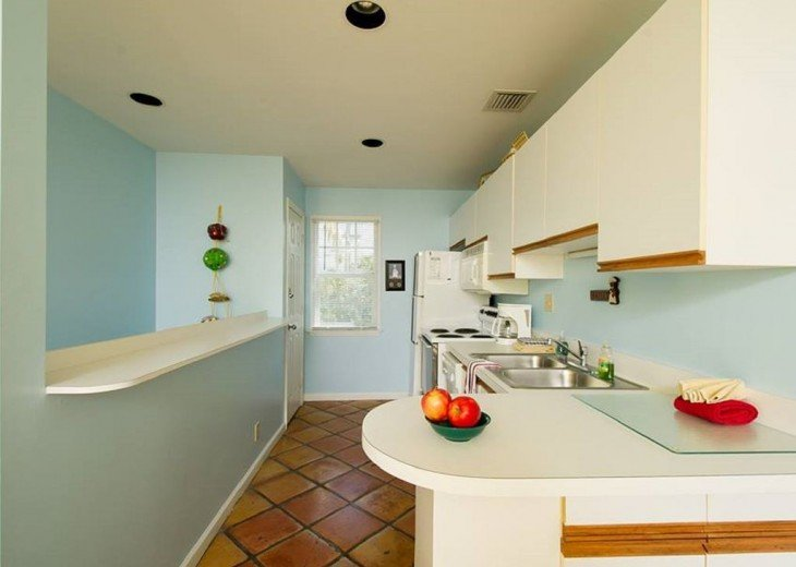 2 BR, 2 BA Margaritavilla Beach Cottage in Old Town - Ask About Our Specials! #9
