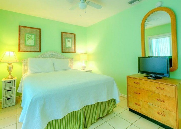 3 BR, 2 BA Margaritavilla Beach Cottage in Old Town - Ask About Our Specials! #6