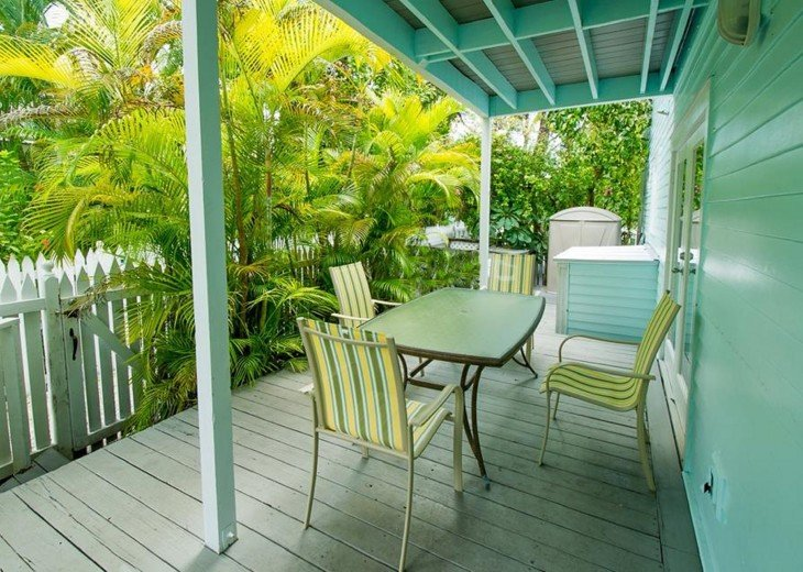 4 BR, 2 BA Margaritavilla Beach Cottage in Old Town - Ask About Our Specials! #6