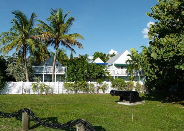 4 BR, 2 BA Margaritavilla Beach Cottage in Old Town - Ask About Our Specials! #23