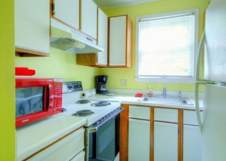 4 BR, 2 BA Margaritavilla Beach Cottage in Old Town - Ask About Our Specials! #11