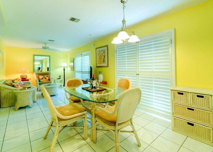 4 BR, 2 BA Margaritavilla Beach Cottage in Old Town - Ask About Our Specials! #3