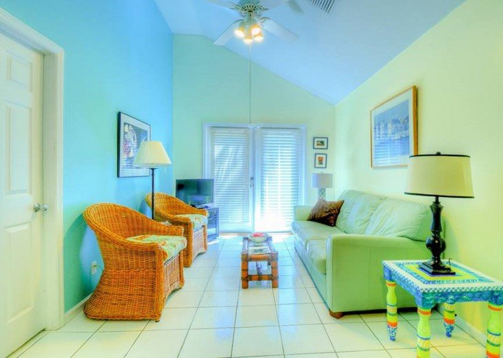 4 BR, 3 BA Margaritavilla Beach Cottage in Old Town - Ask About Our Specials! #7