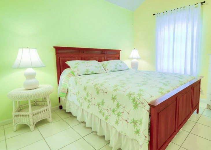 4 BR, 3 BA Margaritavilla Beach Cottage in Old Town - Ask About Our Specials! #10