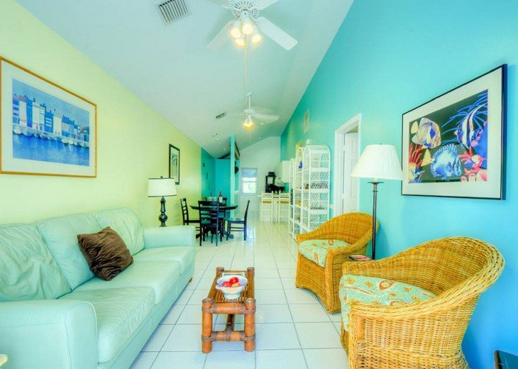 4 BR, 3 BA Margaritavilla Beach Cottage in Old Town - Ask About Our Specials! #3