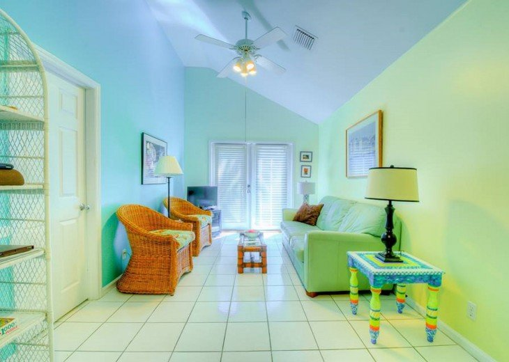 4 BR, 3 BA Margaritavilla Beach Cottage in Old Town - Ask About Our Specials! #2