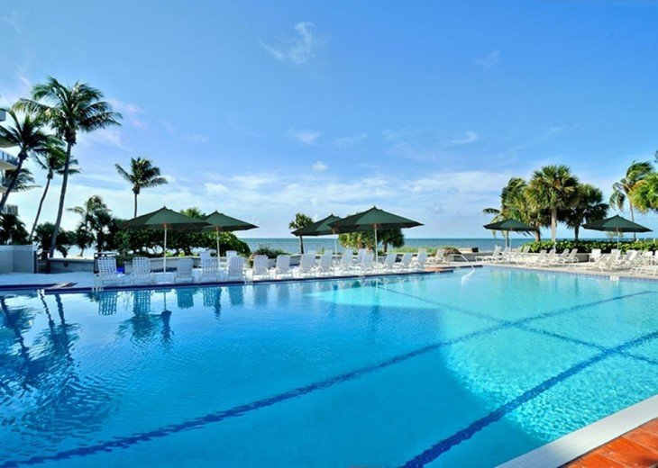 3 BR, 2 BA Oceanfront Oasis On The Beach in Key West #17