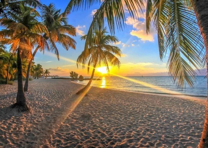 3 BR, 2 BA Oceanfront Oasis On The Beach in Key West #21