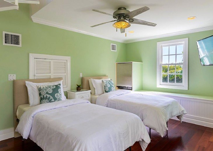 6 BR, 5.5 BA Luxury Key West Beach House in Old Town at Fort Zachary Taylor #74
