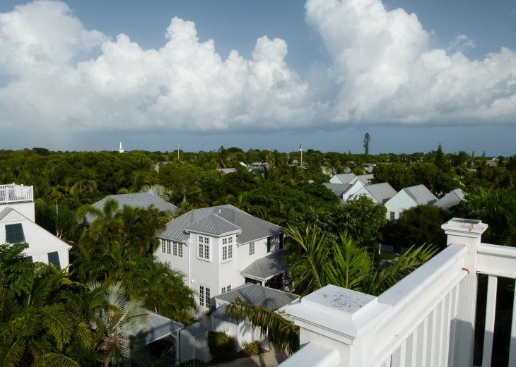 6 BR, 5.5 BA Luxury Key West Beach House in Old Town at Fort Zachary Taylor #79