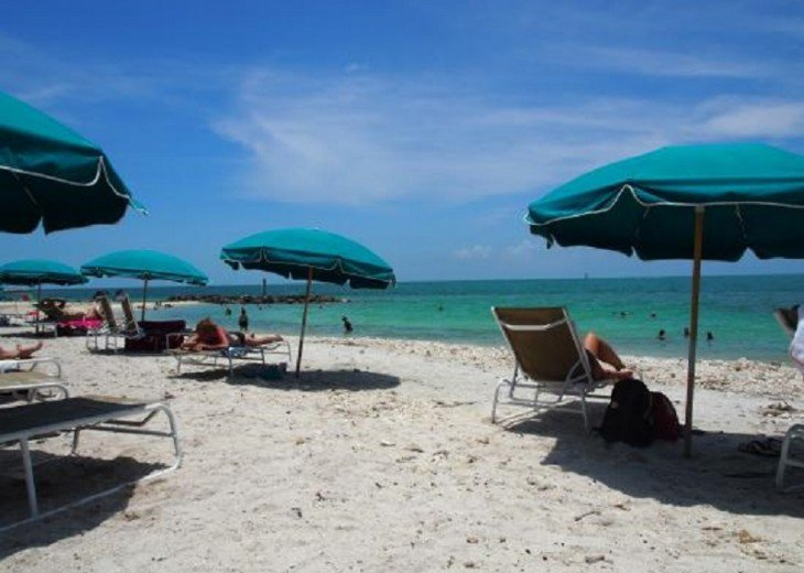 6 BR, 5.5 BA Luxury Key West Beach House in Old Town at Fort Zachary Taylor #94