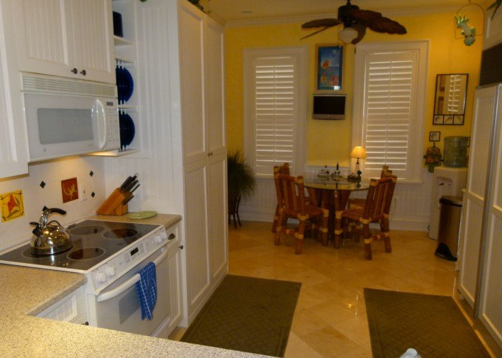 6 BR, 5.5 BA Luxury Key West Beach House in Old Town at Fort Zachary Taylor #40