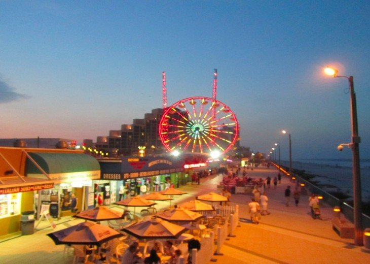 DOWNTOWN DAYTONA BOARDWALK