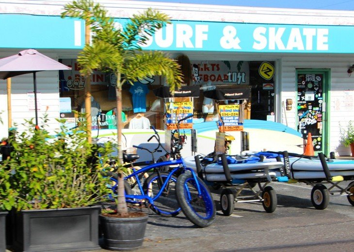 Bike rentals, board rentals and 5 blocks across the street - convenient!