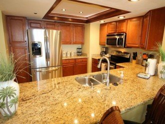 Remodeled kitchen, LED lighting w/ filtered water & stainless steel appliances.