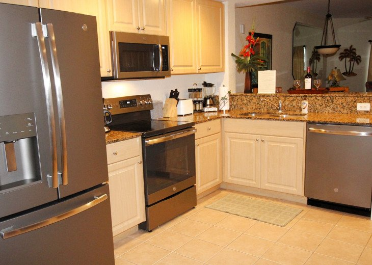 New Kitchen Appliances GE Slate with Granite counters fully updated.