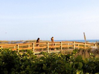 Dedicated walkway from Sunset Vistas to the beautiful open beach.