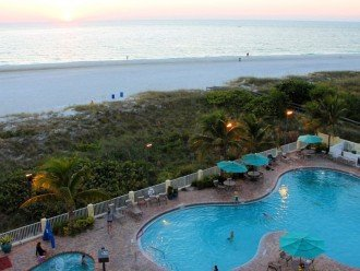 Setting Sun Main Recreation Heated Pool & Hot Tub Next to More White Beaches.