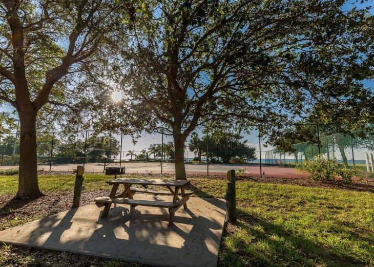 Townhouse in Resort Community- Pools, Restaurants & Private beach! U466 #21