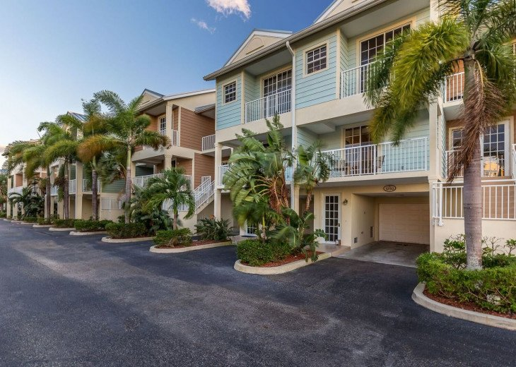 Townhouse in Resort Community- Pools, Restaurants & Private beach! U466 #4