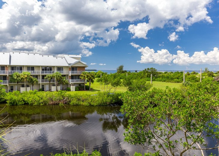 Private Beach, Luxury Waterfront 3 bed / 3 bath Town Home Suite - U448 #21