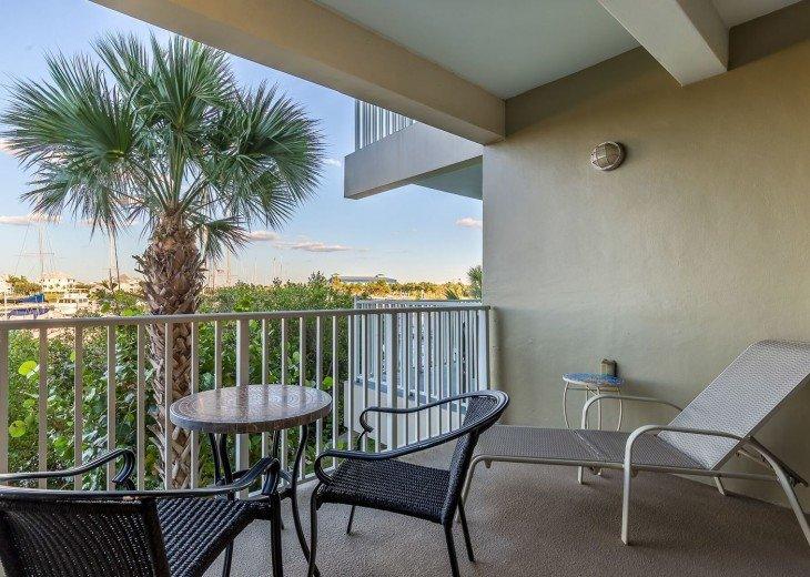 Waterfront 2 bed /1.5 bath Private Beach Community - U429 #8