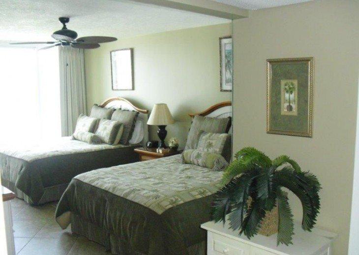 2nd. Bedroom (2 Queen Beds)