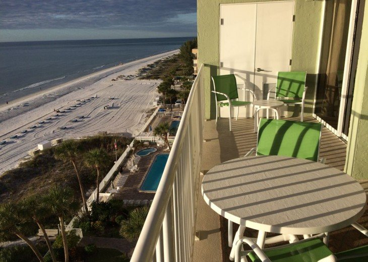 Renovated Direct Sand Beachfront - Sandcastle 1 - 3Bed/2Bath #25