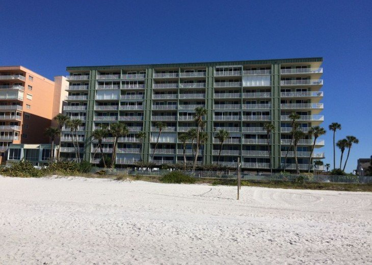 Renovated Direct Sand Beachfront - Sandcastle 1 - 3Bed/2Bath #32