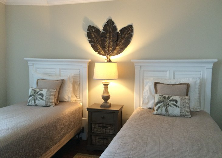 Marco Island, Florida - Gulf Front 2-Bedroom 2-Bath Condo #15