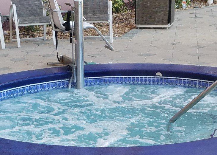 Blue Heron Beach 1 & 2.5 beds 2 bath suite overlooking lake Feb23-Mar1 & Mar9-20 #32