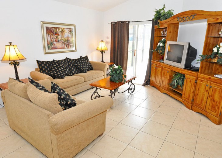 Enjoy your Orlando vacation in a affordable 4 br vacation home with pool & spa #2