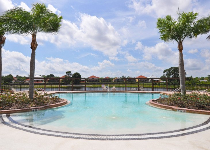 Enjoy your Orlando vacation in a affordable 4 br vacation home with pool & spa #30