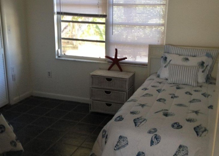 5 Bedroom 4 Bath Canal Front Home Sleeps 12. (28 day min. rental) #27