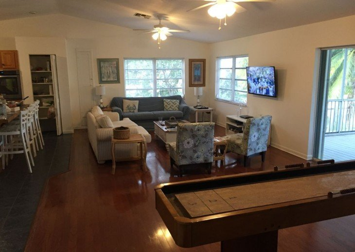 5 Bedroom 4 Bath Canal Front Home Sleeps 12. (28 day min. rental) #26